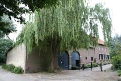 Craubeek-090-Boerderij-met-treurwilg