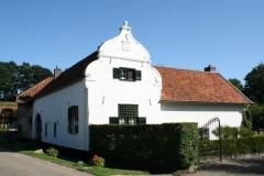 Nuth-055-Monumentale-boerderij-in-Terstraten-1740