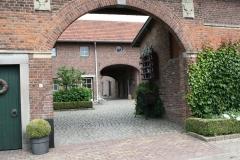 Reijmerstok-022-Doorkijk-op-binnenplaats-boerderij-Terlinden