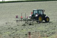 Klimmen-Termaar-006-Tractor-met-hooiwender