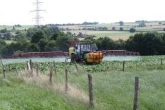 Klimmen-Termaar-069-Tractor-met-spuitinstallatie