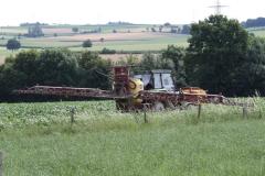 Klimmen-Termaar-073-Tractor-met-spuitinstallatie
