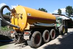 Bosschenhuizen-Tractor-met-mestverspreider-2