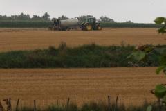 Wahlwiller-Tractor-met-mestvat-2