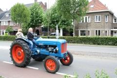 Gulpen-Vrolijk-op-de-tractor-1