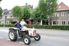 Gulpen-Vrolijk-op-de-tractor-2