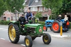 Gulpen-Vrolijk-op-de-tractor-4