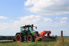 Huls-e.o.-Tractor-3-met-maaimachine