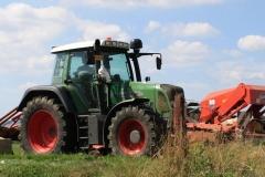 Huls-e.o.-Tractor-4-met-maaimachine