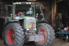 Ubachsberg-023-Tractor-in-schuur